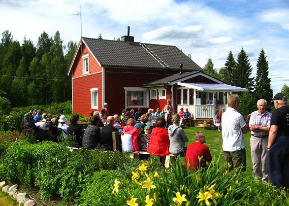 Portti auki puutarhaan 2012