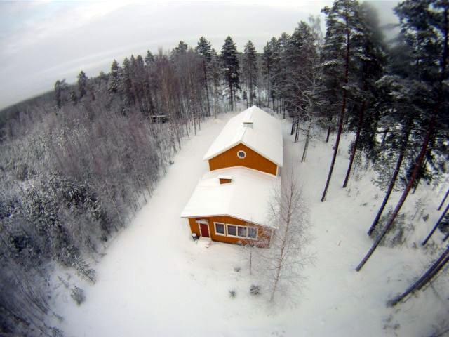 Vesatalo linnun vinkkelistä 01.01.2012